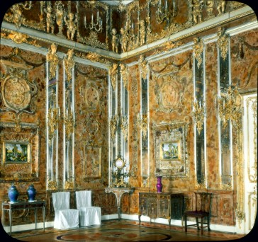 Pushkin (Tsarskoe Selo). Catherine Palace (destroyed in World War II): interior, Amber Room View in tinted lantern slide, ca. 1931. The architect Bartolommeo Rastrelli rebuilt the palace (originally built 1718-1724) in 1752-1756.