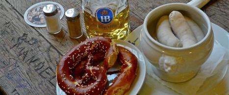 weiswurstfruhstuck-im-hofbrauhaus
