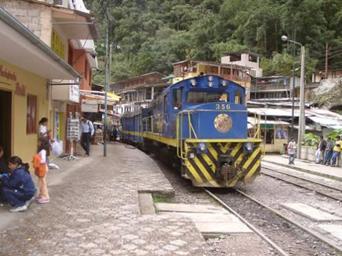 aguas-calientes-train