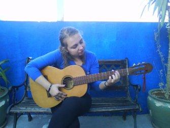 croata-loca-con-la-guitara