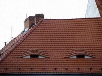 eyes-house