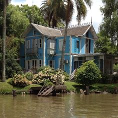 typical-house-on-delta-de-tigre