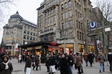 Mönckebergstrasse - shopping