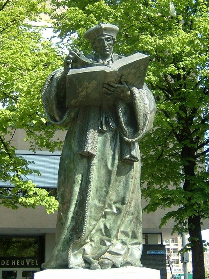 The statue of Erasmus Rotterdam