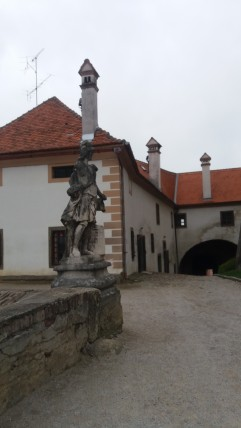 Main yard and the statue of St Florian