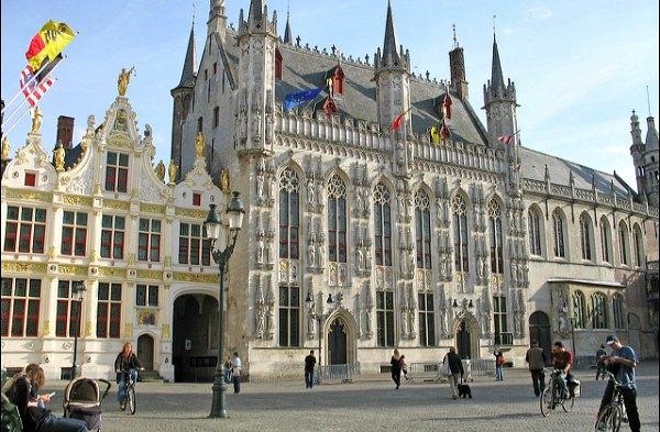 Bruges-Old-Town-Hall-Exterior