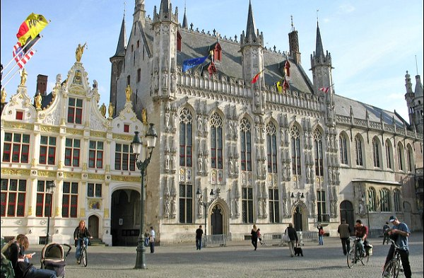 Bruges-Old-Town-Hall-Exterior