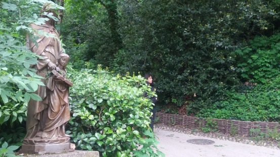 Rosemary path, statue of st Theresa