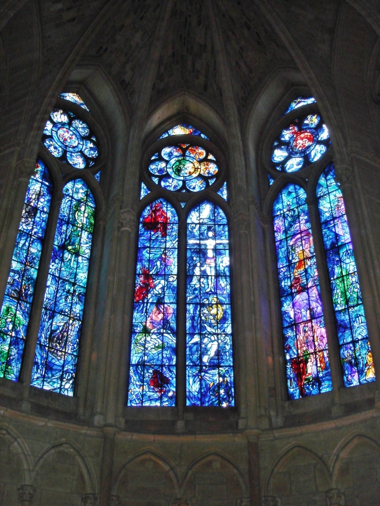 Chagall_windows_Reims_Cathedral