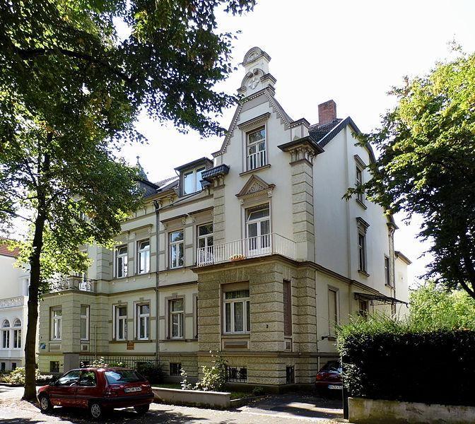 ffbf46569e04c578fc2393f7b8a9109a--bad-godesberg-villa-architecture