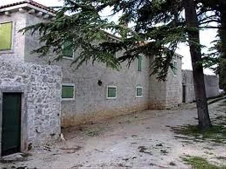 Dvorac_Califfi_Kresimir_Cosic_Ugljan_1a