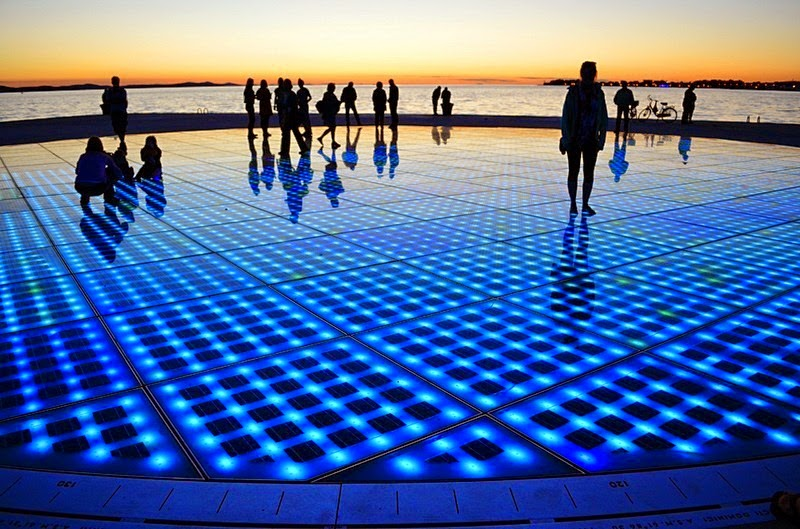 greetings-to-the-sun-zadar-4[2]