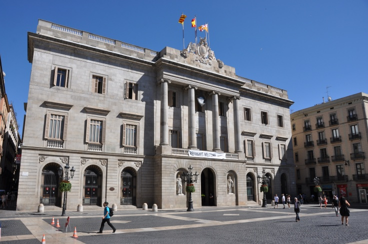 Barcelona_(Plaça_de_Sant_Jaume)_City_Hall._Neoclassical_facade._1831-1847._Josep_Mas,_architect_(27664512650)