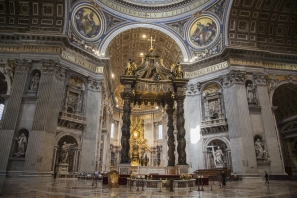 web-st-peters-basilica-detail-interior-at004-shutterstock-12