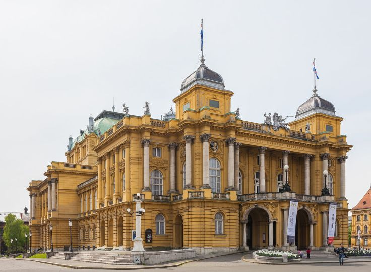 Teatro_Nacional,_Zagreb,_Croacia,_2014-04-13,_DD_03